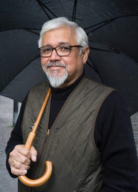 Amitav Ghosh photo