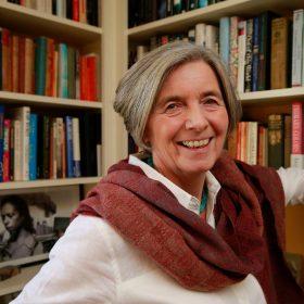 Julie Parsons photo